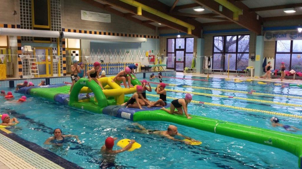 Vasca Da Parto Gonfiabile : Divertirsi in piscina con il gonfiabile gigante: la domenica a